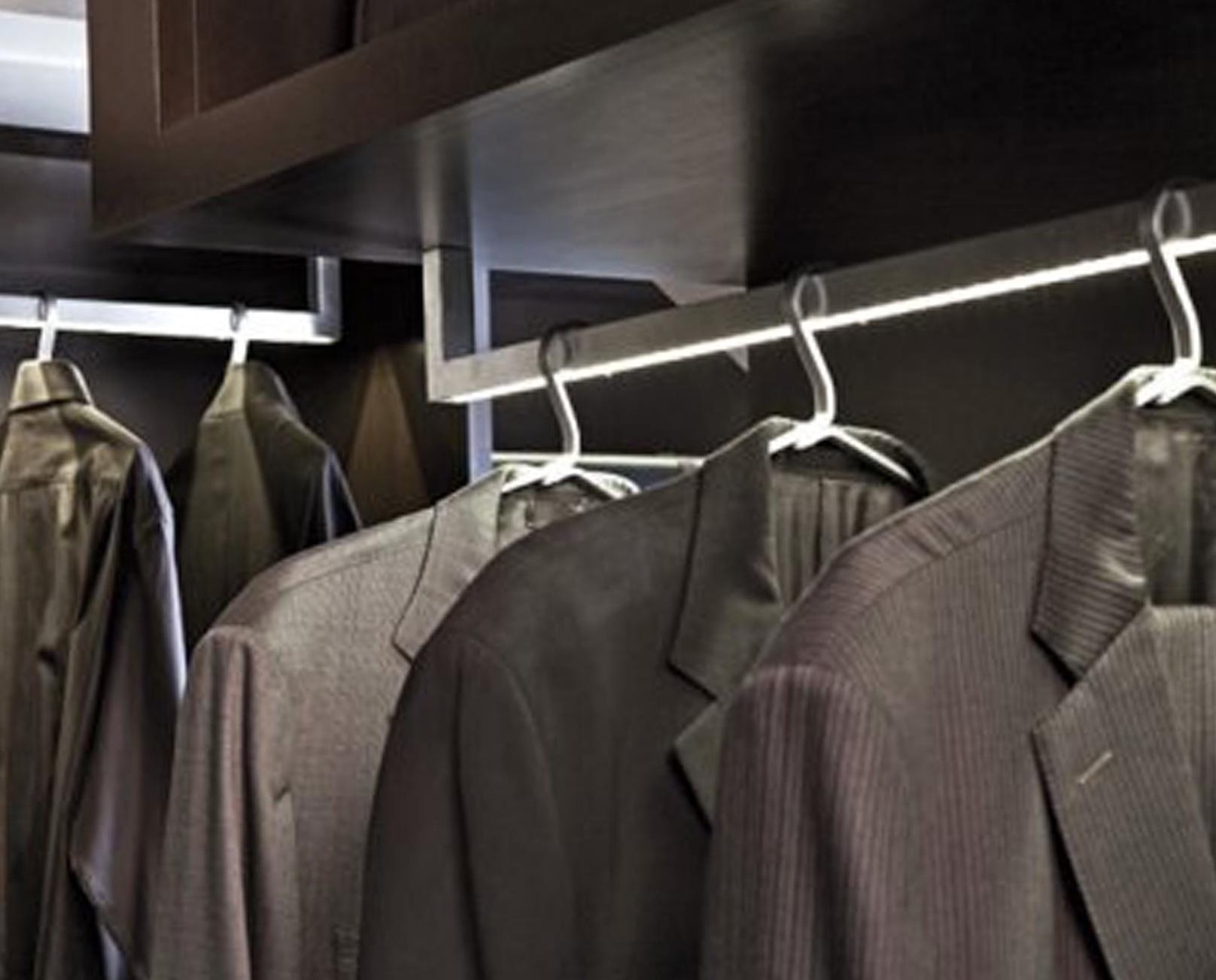 Lighted Closet Rods   Closet Ideas