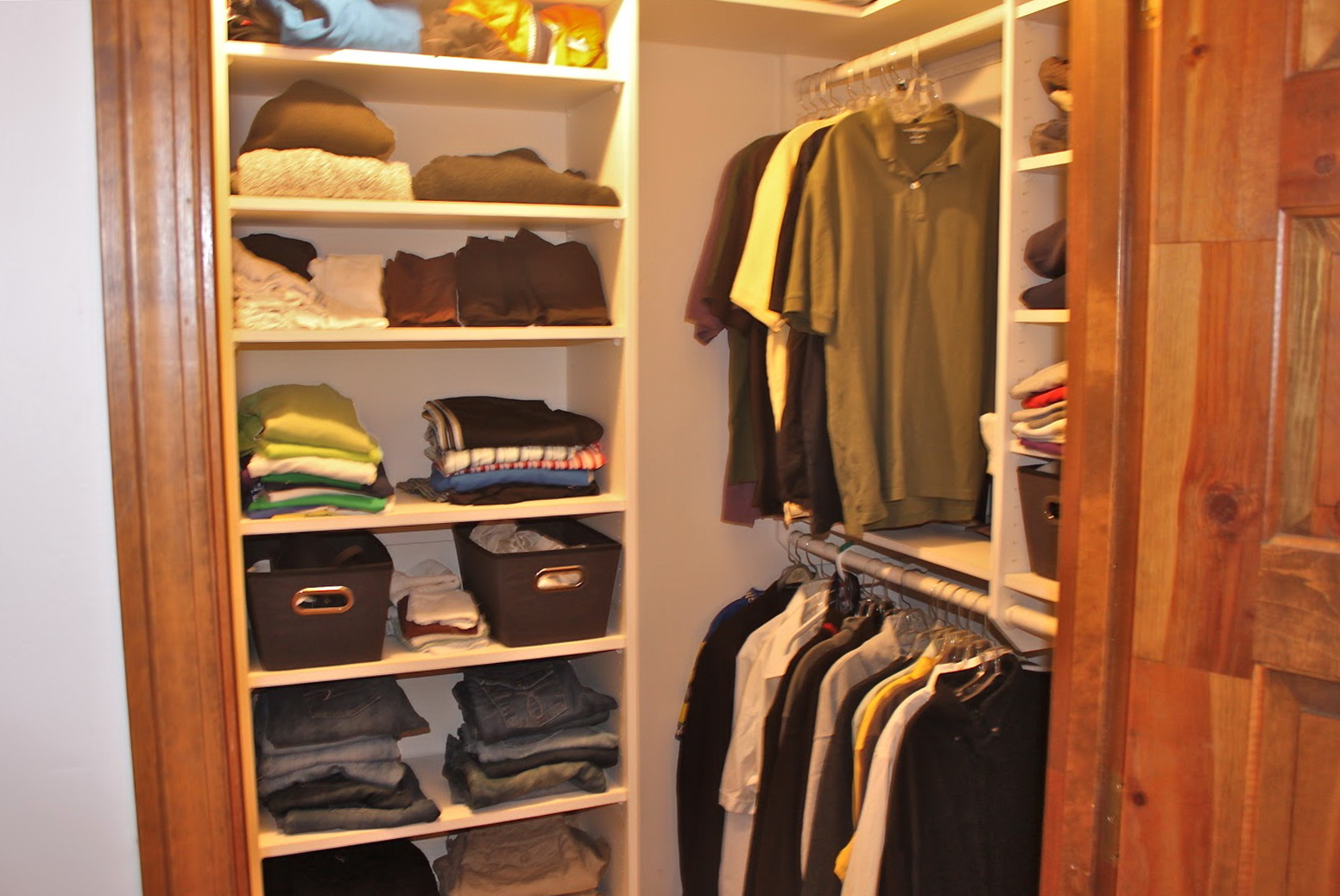 Simple Small Closet Design
