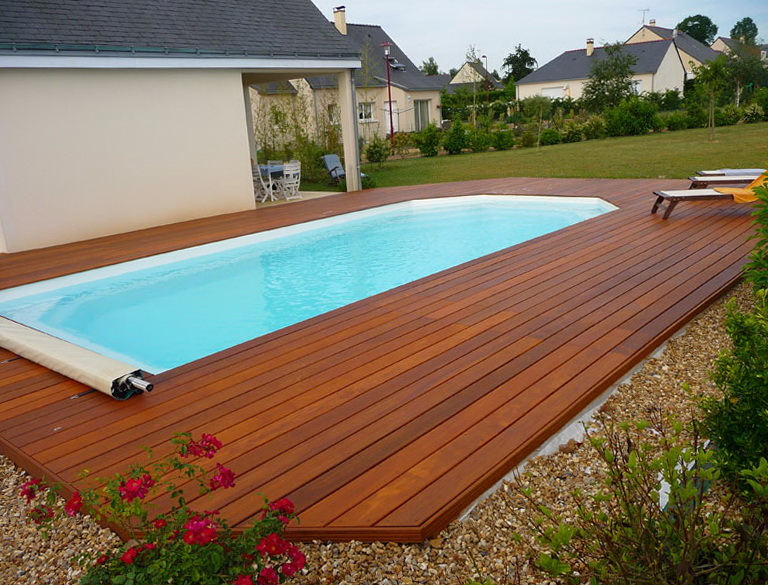 Swimming pool decking designs home design ideas for Pool design 2015