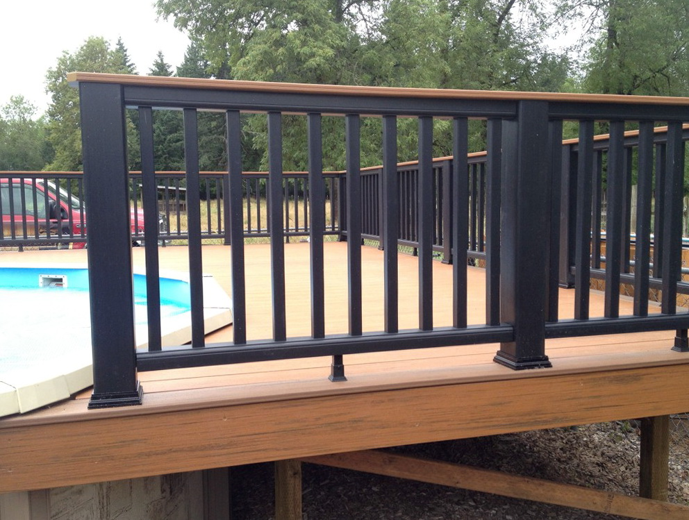 Trex deck railing pictures home design ideas for Composite deck railing