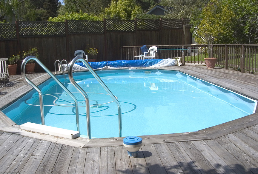Above ground pool deck ideas wood home design ideas for Above ground pool decks home depot