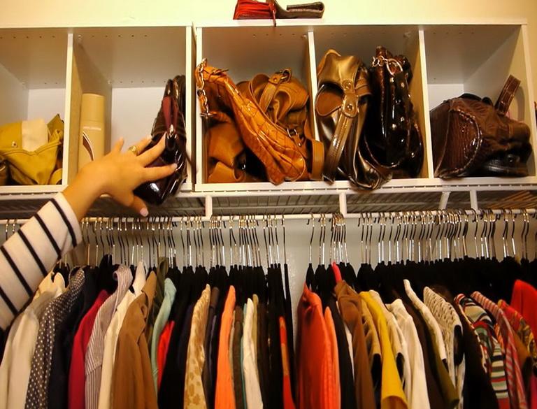 Organizing a small walk in closet home design ideas for Organizing a walk in closet
