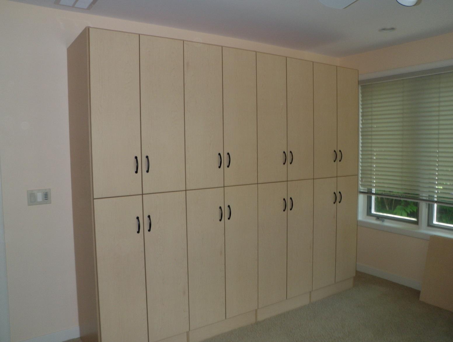 Small Closet Built Ins