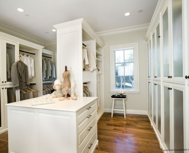 Small Closet Lighting Ideas