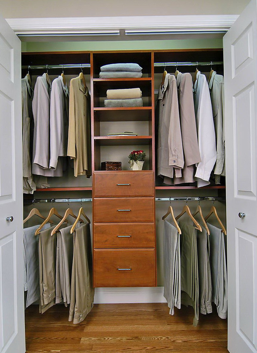 Small walk in closet organization home design ideas for Organized walk in closet