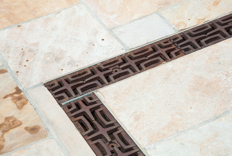 Swimming pool deck drains home design ideas - Swimming pool deck drain channels ...