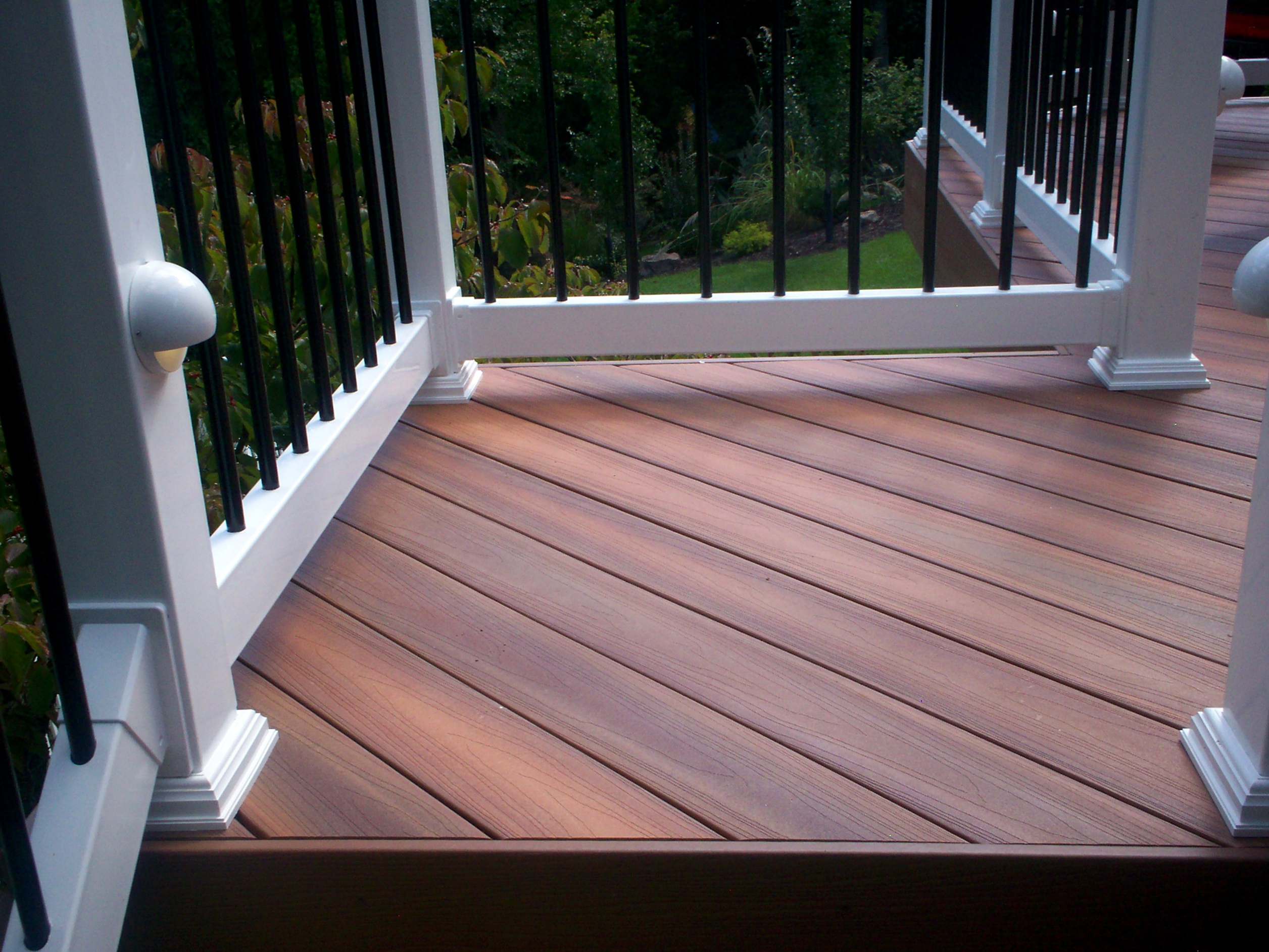 Capped composite decking reviews home design ideas for Capped composite decking