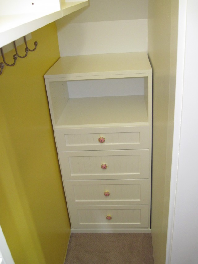 Closet Storage Shelves Unit