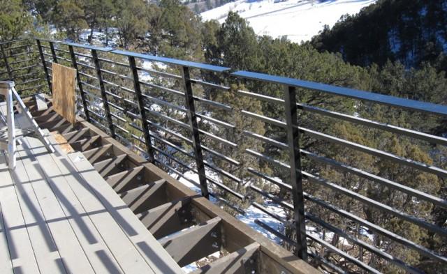 Deck Railing Horizontal Tubes
