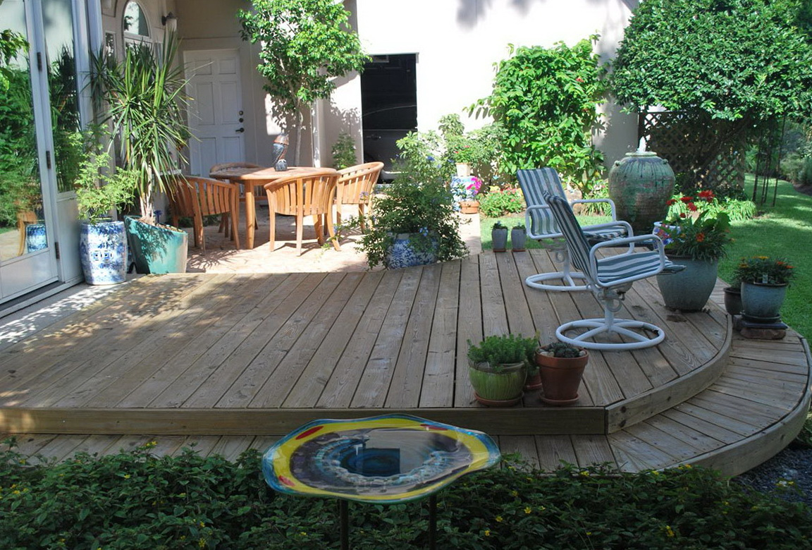 Simple backyard deck designs home design ideas for Backyard designs