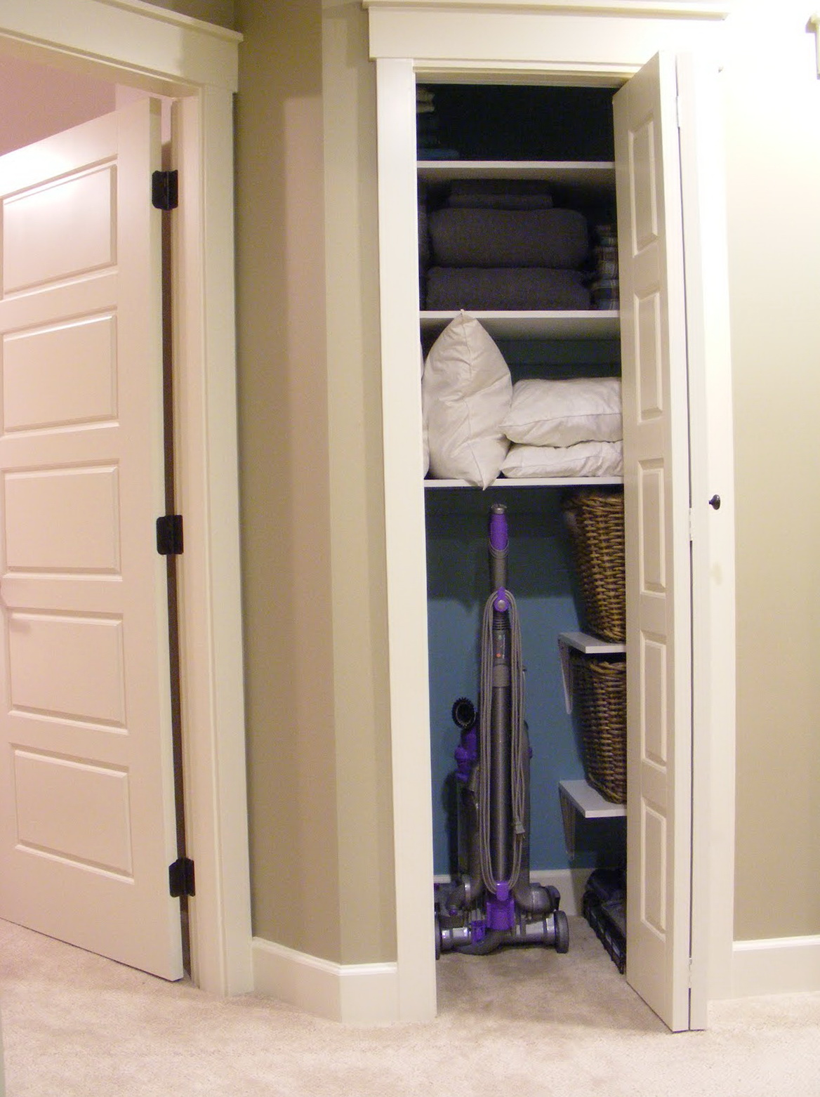 small linen closet doors home design ideas. Black Bedroom Furniture Sets. Home Design Ideas