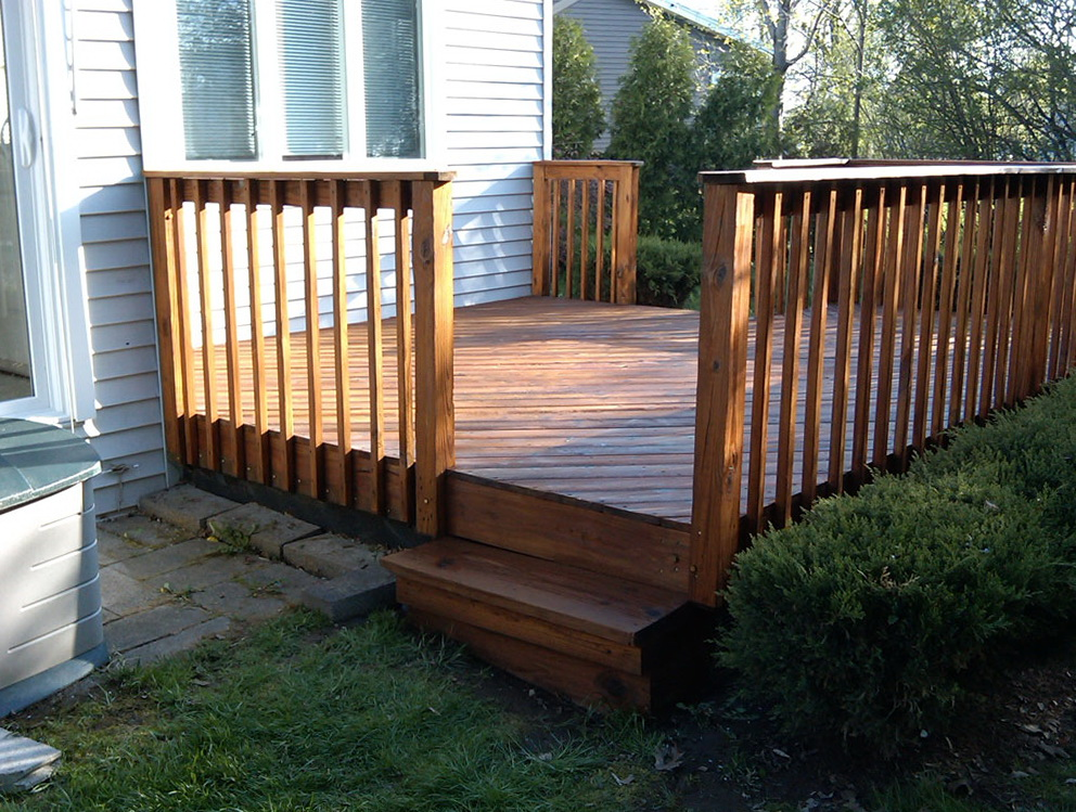 Small Wood Deck Ideas