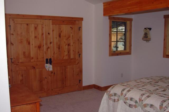 Types Of Closet Doors For Bedrooms