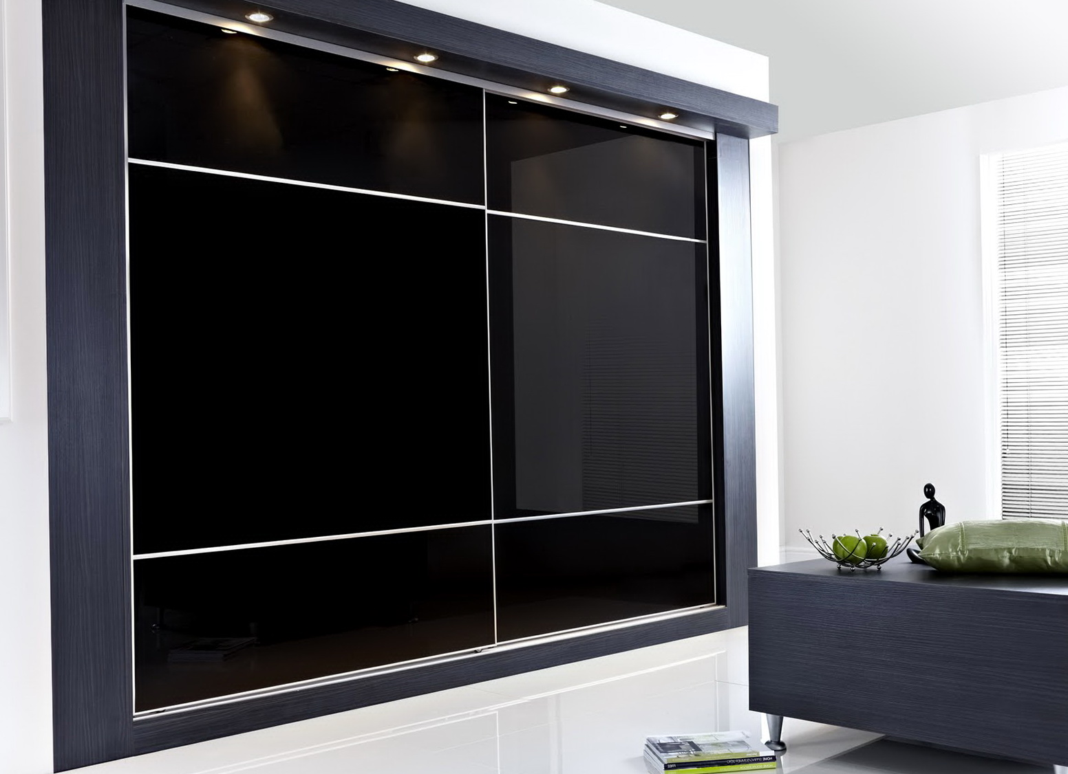 bedroom wardrobe closet sliding doors home design ideas. Black Bedroom Furniture Sets. Home Design Ideas