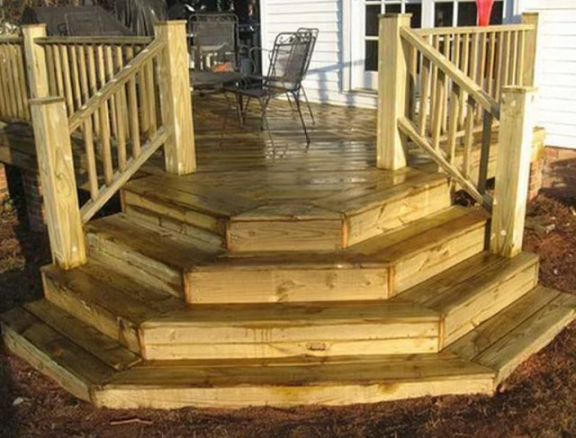 Building Deck Stairs On Uneven Ground