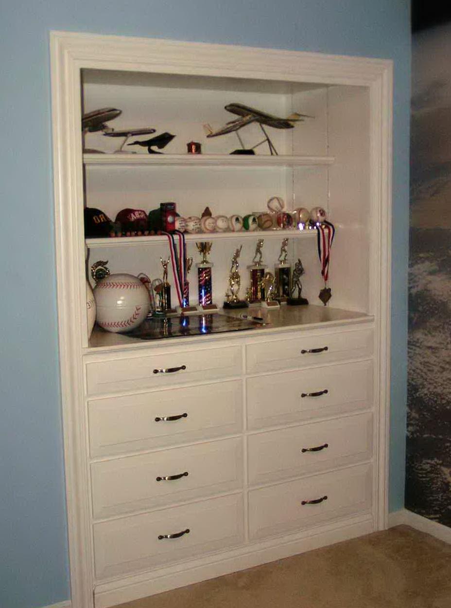 built in dresser in closet home design ideas. Black Bedroom Furniture Sets. Home Design Ideas