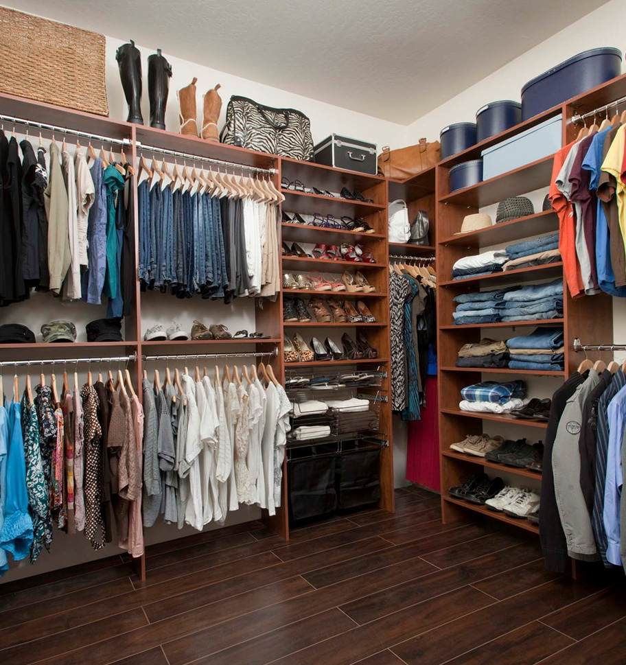 Closet organizers for small walk in closets home design Pictures of closet organizers