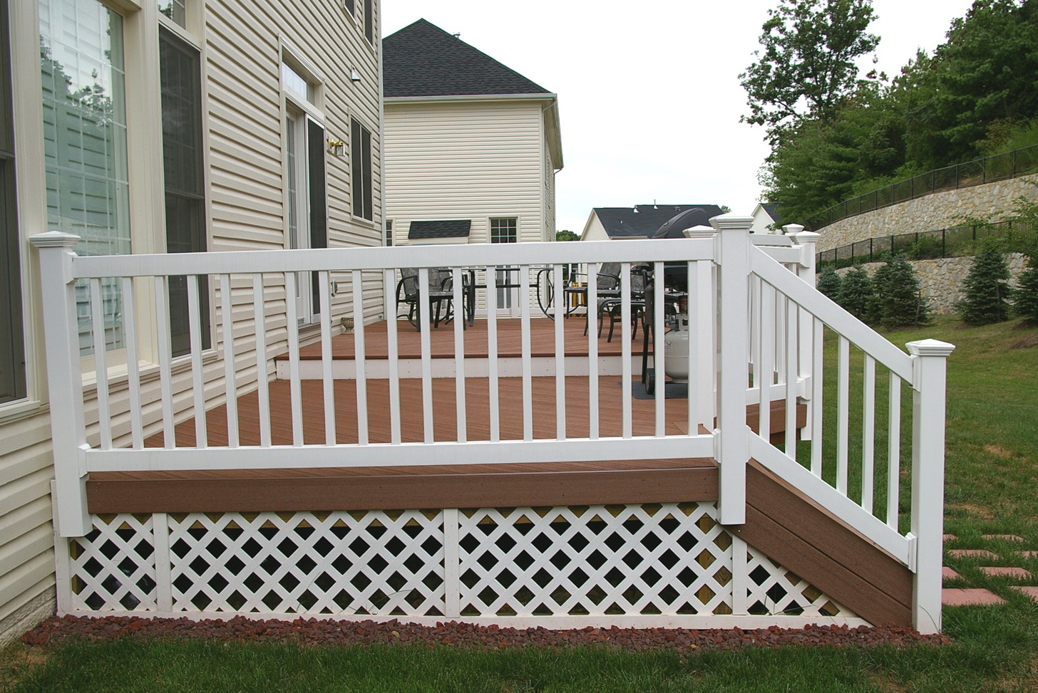 Composite decking materials home depot home design ideas for Best composite decking material