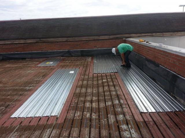 Corrugated Metal Roof Deck