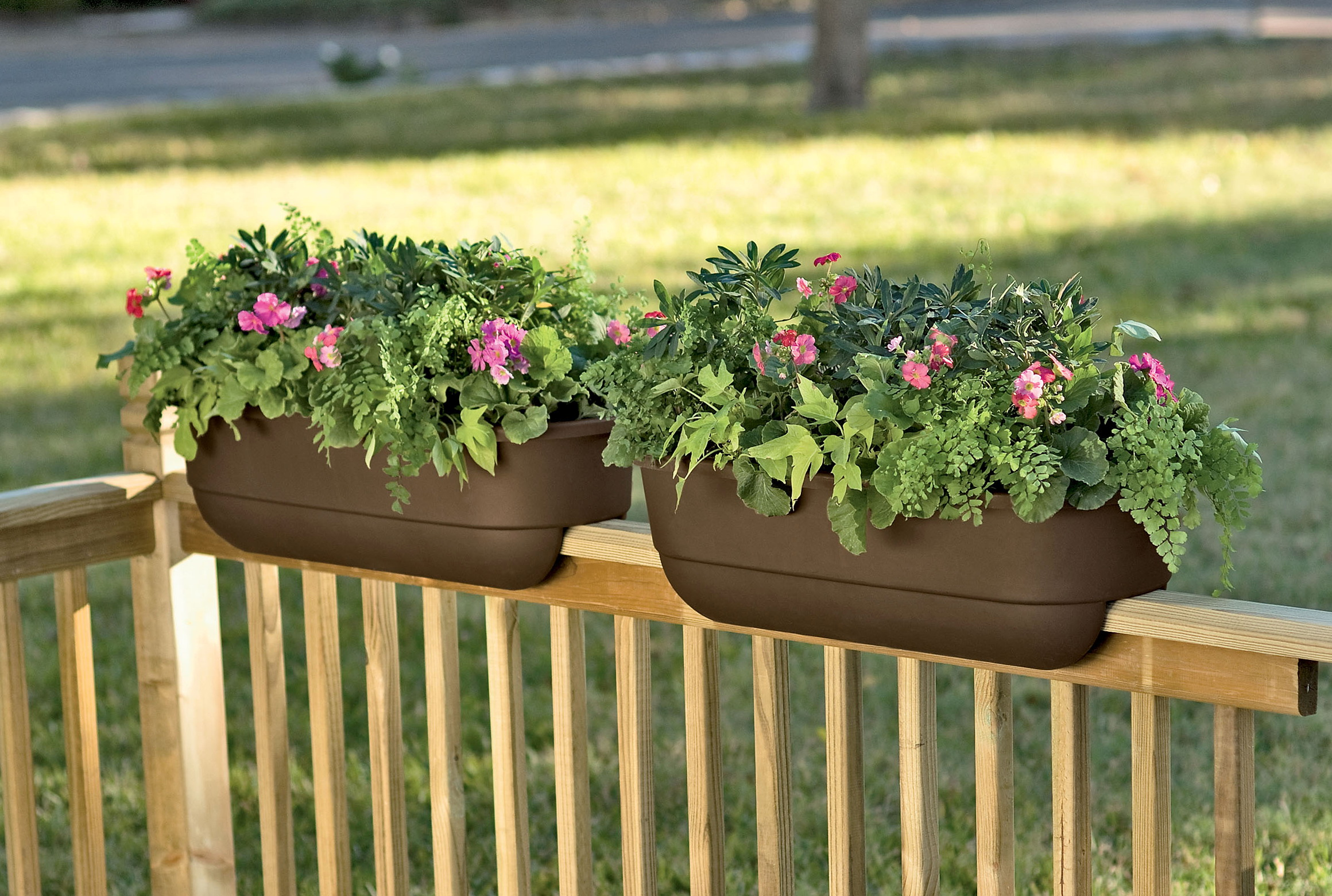 Deck railing planter ideas home design ideas - Deck rail planters lowes ...