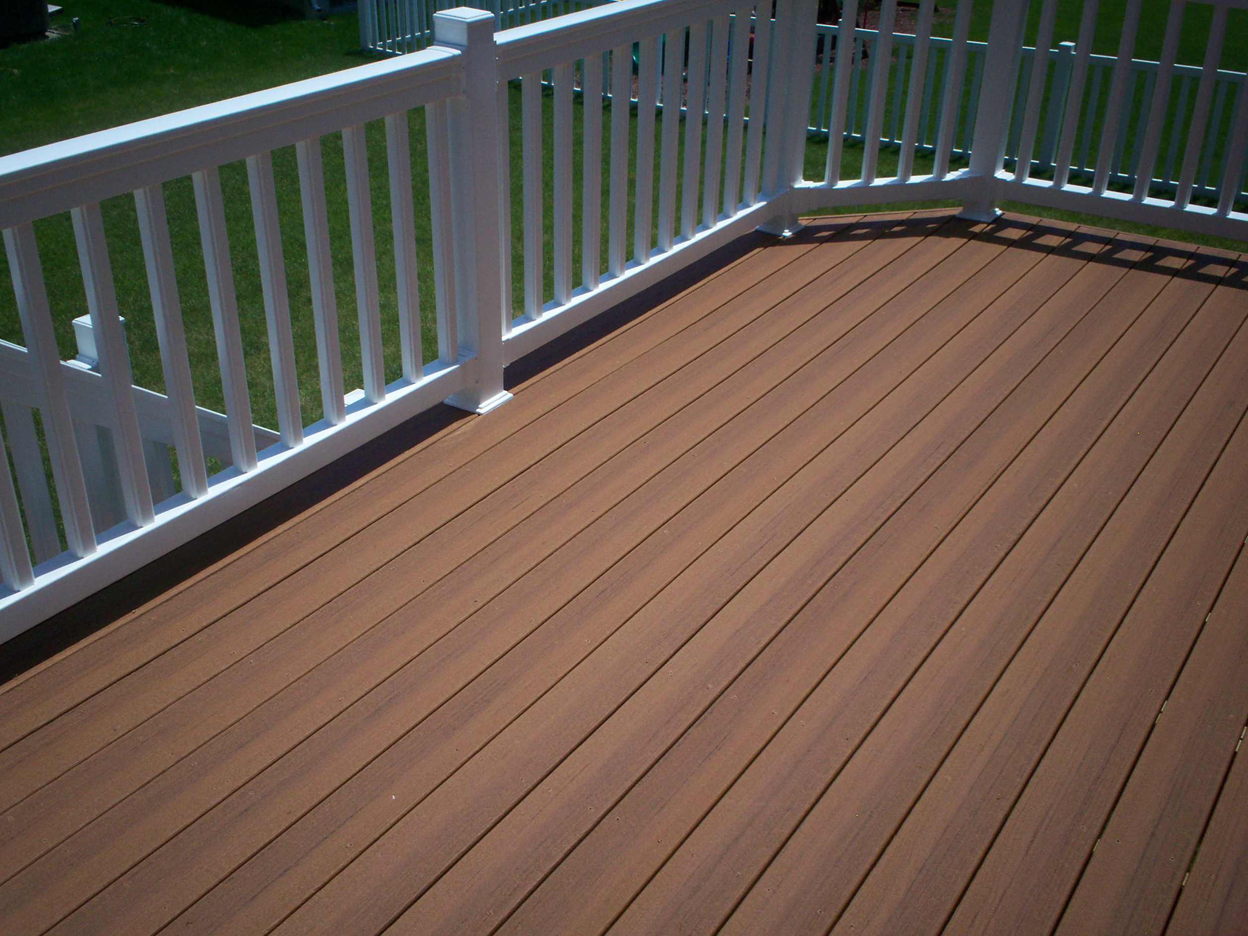 Discount composite decking nh home design ideas for Best composite decking material reviews