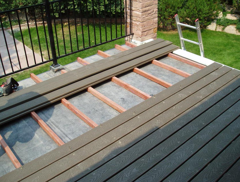 Flat roof deck design home design ideas for Roof deck design