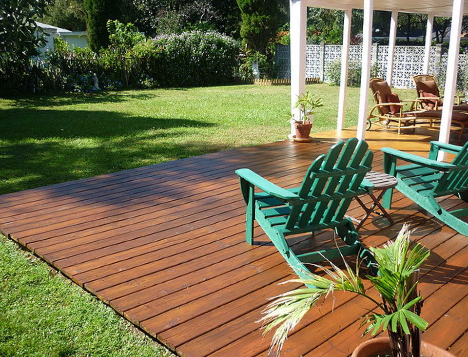 Ground level deck ideas home design ideas for Ideas for decks designs