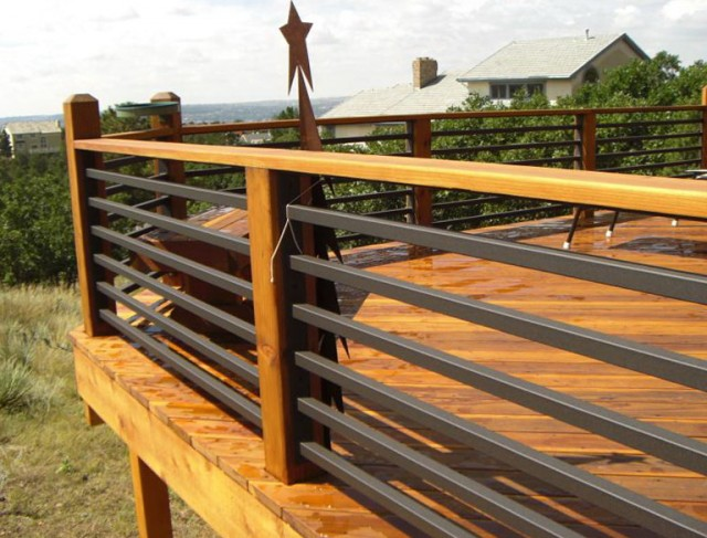 Horizontal Steel Deck Railing