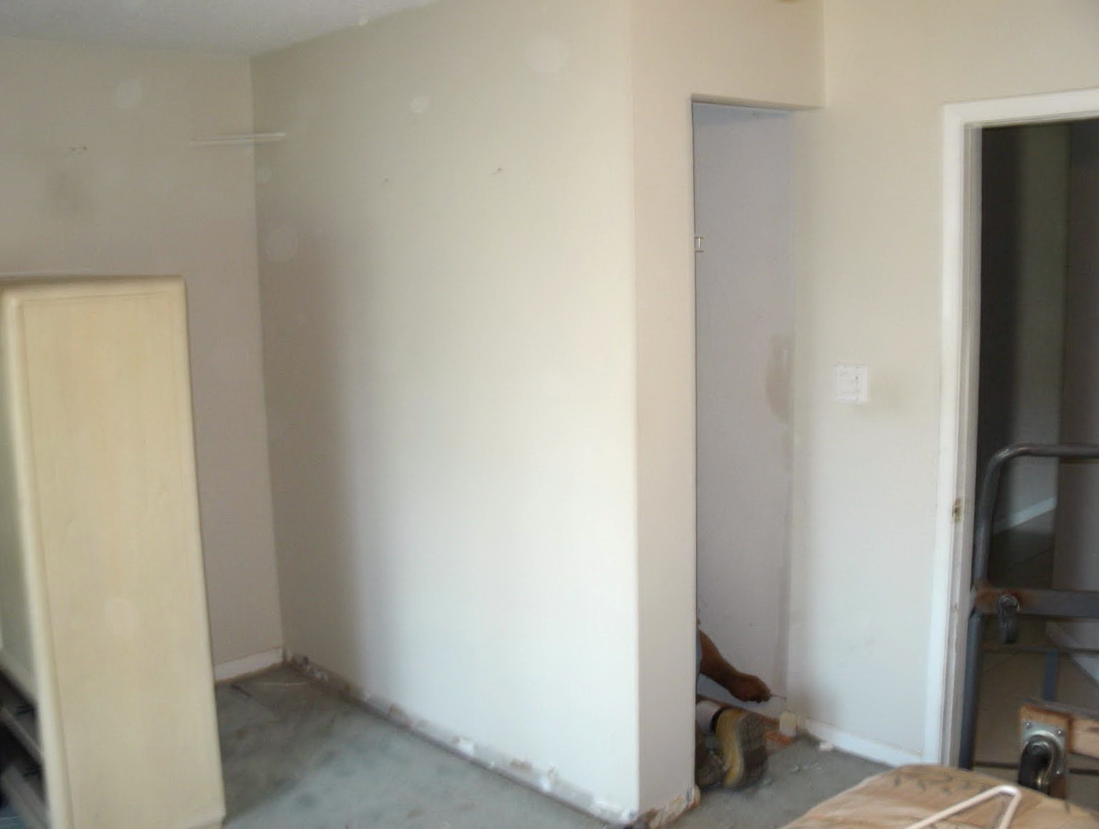Installing Closet Doors Over Laminate Flooring