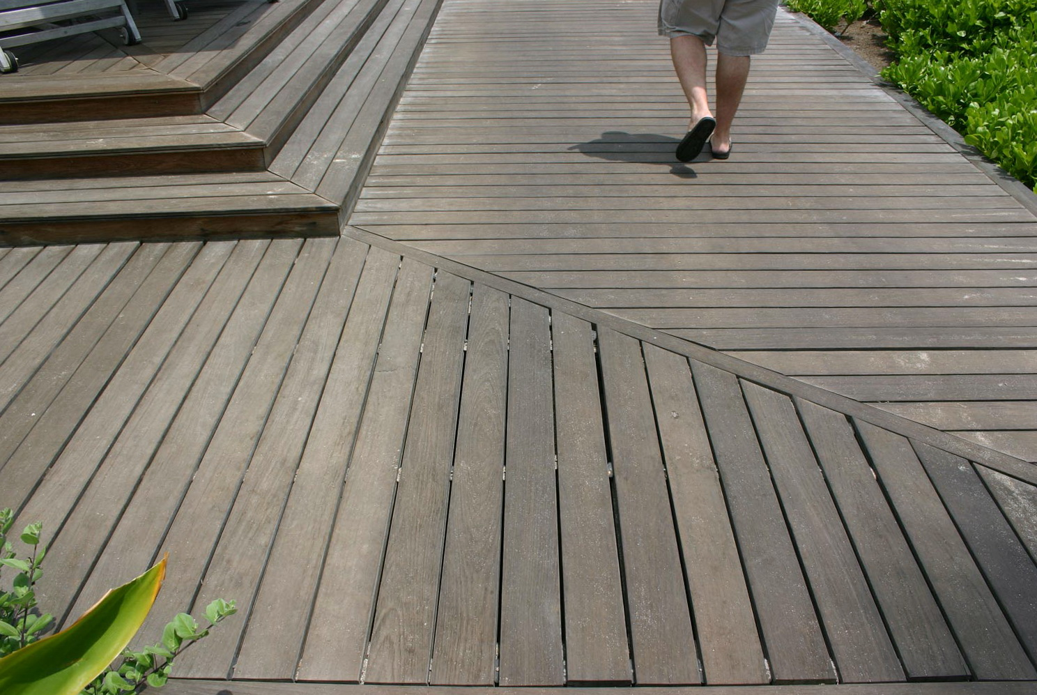Ipe wood deck cost home design ideas for Ipe decking vs trex