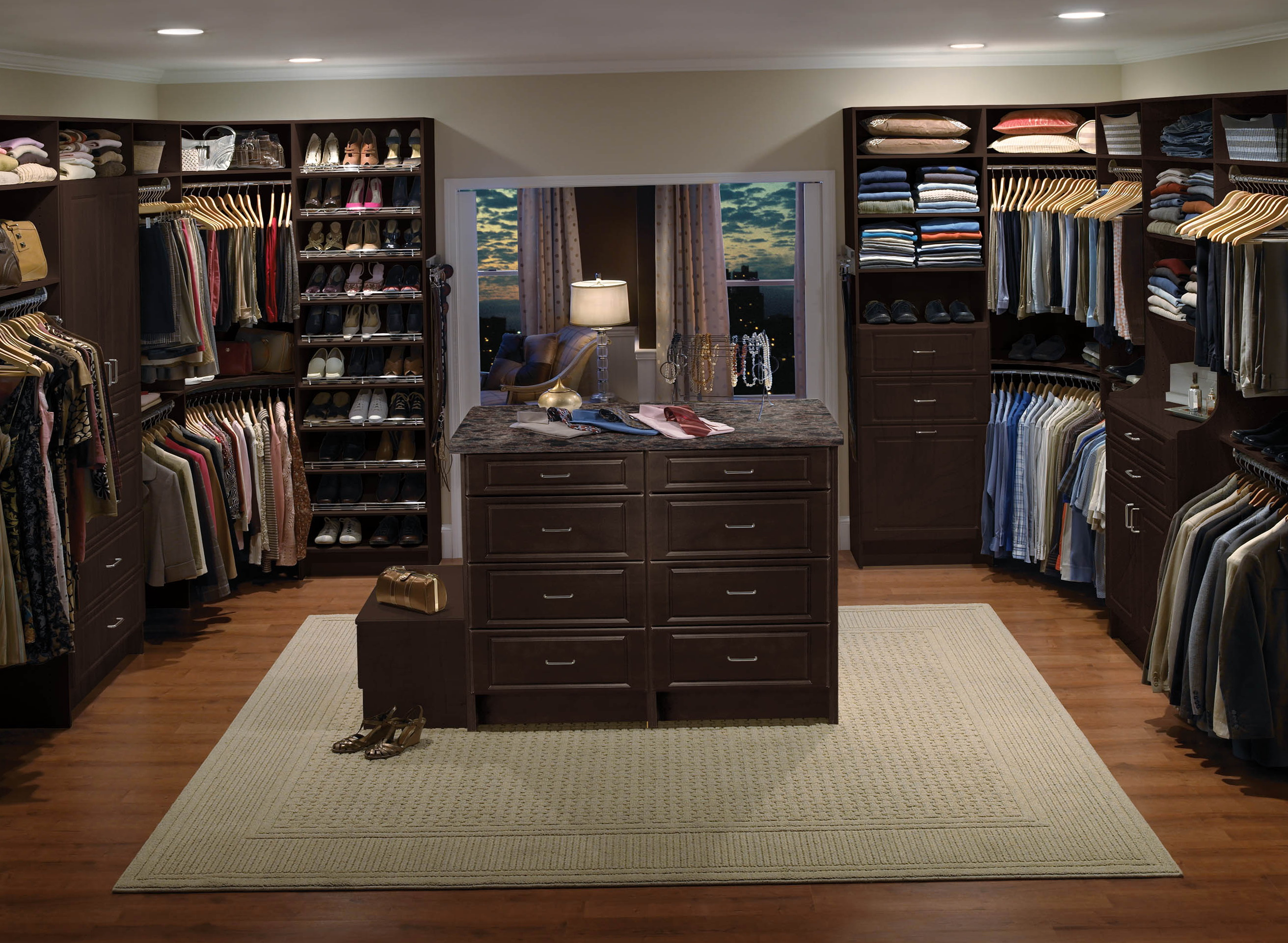 Island In Walk In Closet Home Design Ideas