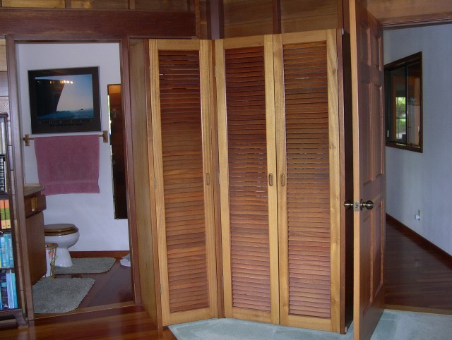 Louvered Sliding Closet Doors Wood