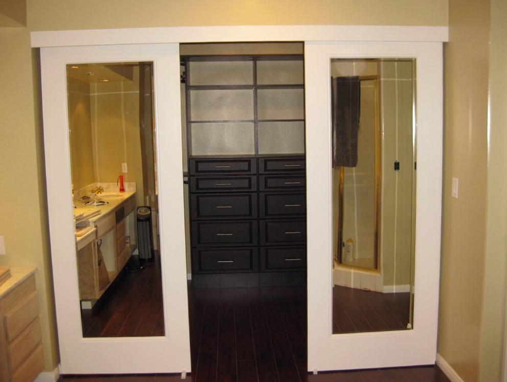Make your own walk in closet home design ideas for Design your own walk in closet