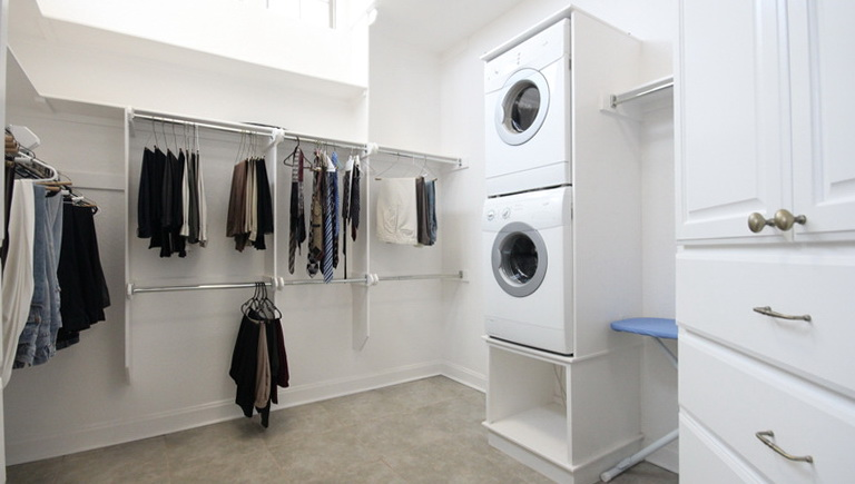 Master Bedroom Closet With Washer And Dryer