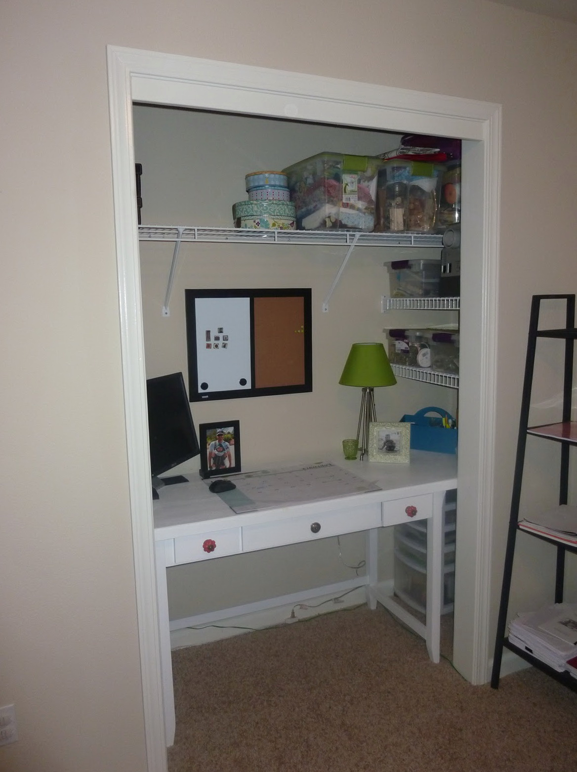 Office In A Closet Ideas Home Design Ideas