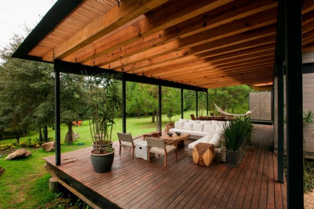 Outdoor Decks With Roofs