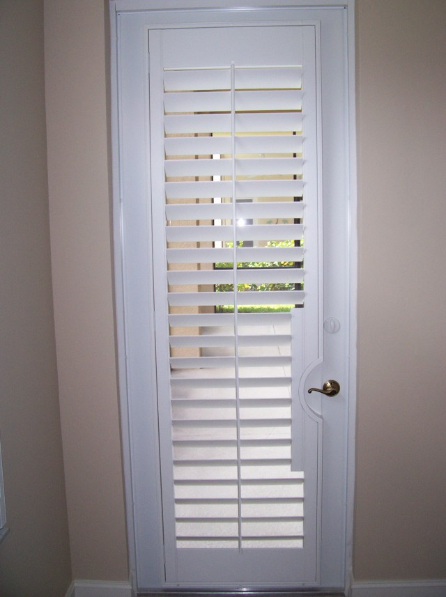 Plantation louvered sliding closet doors home design ideas - Plantation louvered closet doors ...