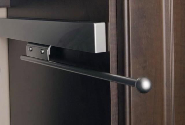 Revashelf Retractable Closet Valet Rod