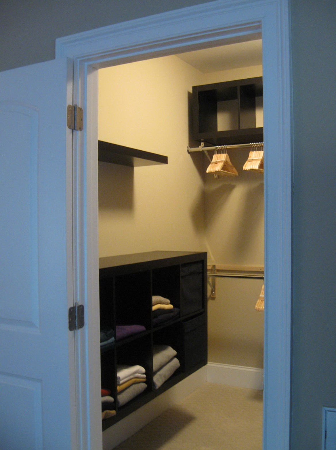 Simple Small Walk In Closet Designs Home Design Ideas