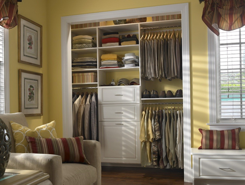 Small bedroom closet design ideas home design ideas for Tiny bedroom layout ideas