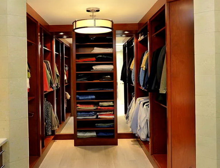Small walk in closet lighting home design ideas - Small closet lighting ideas ...
