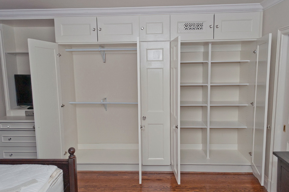 Built in closet design ideas home design ideas - Built in closet for small bedroom ...