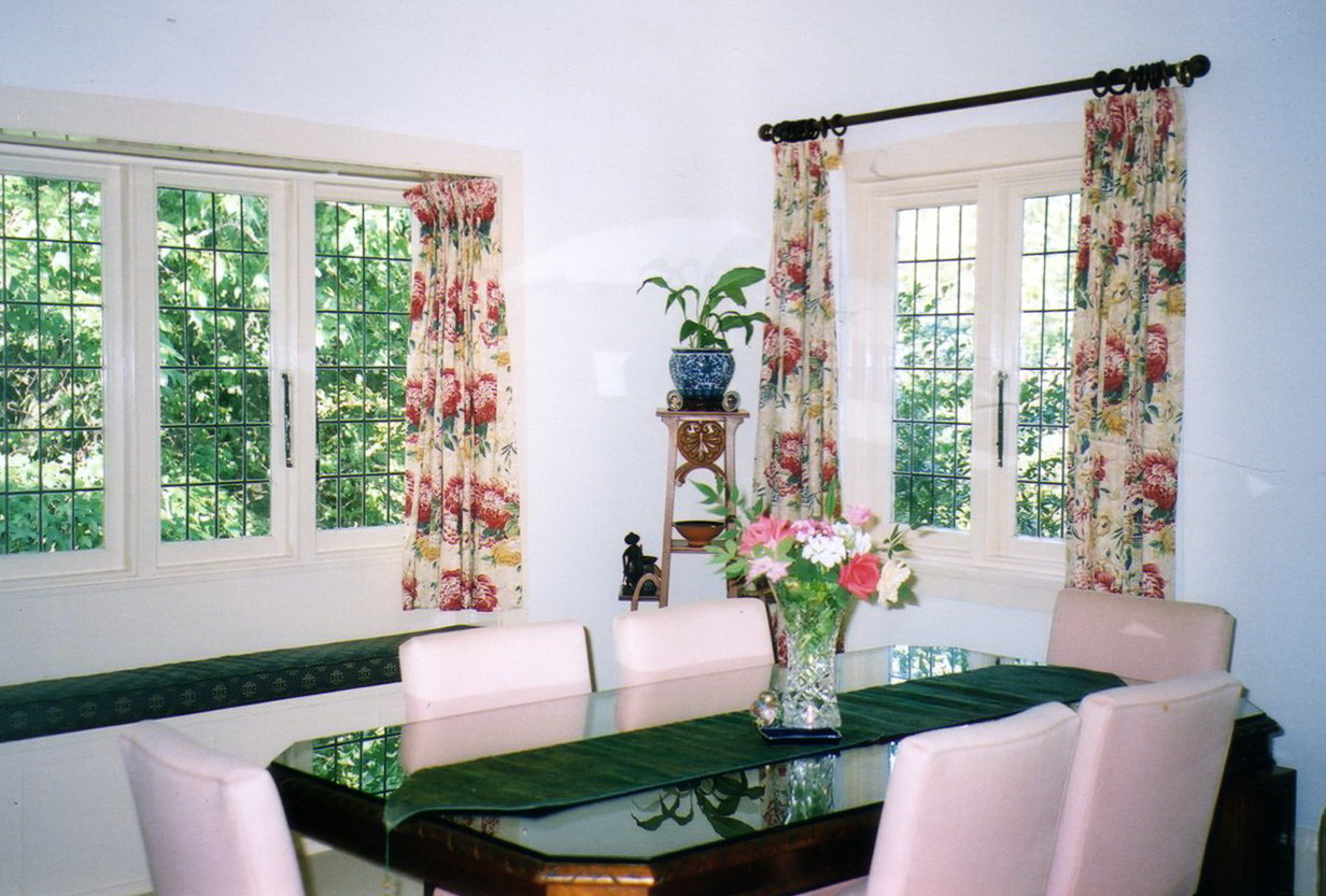 casual dining room curtains home design ideas. Black Bedroom Furniture Sets. Home Design Ideas