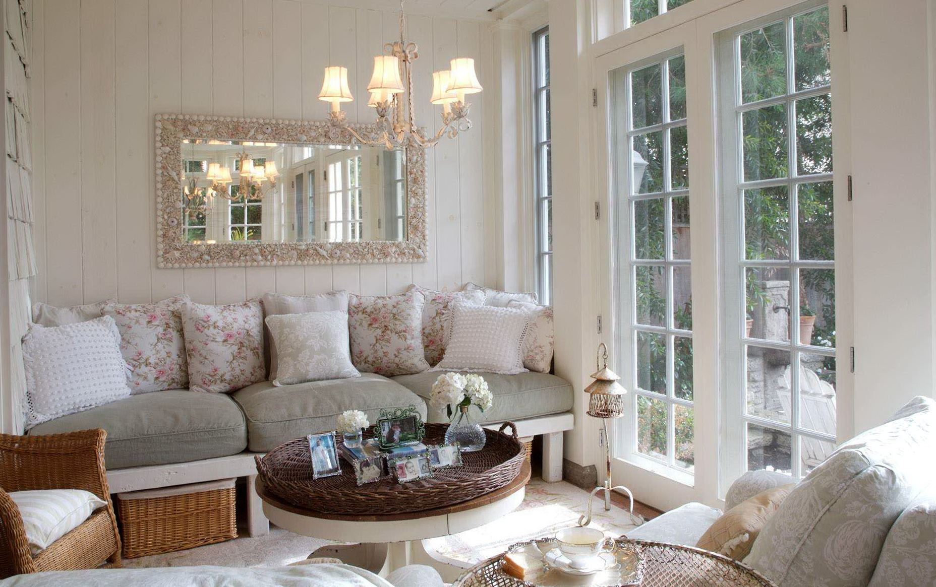 Chandelier in small living room home design ideas for Small chandeliers for living room