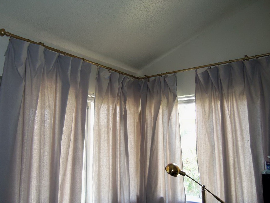 Curtains For Windows Close Together Home Design Ideas