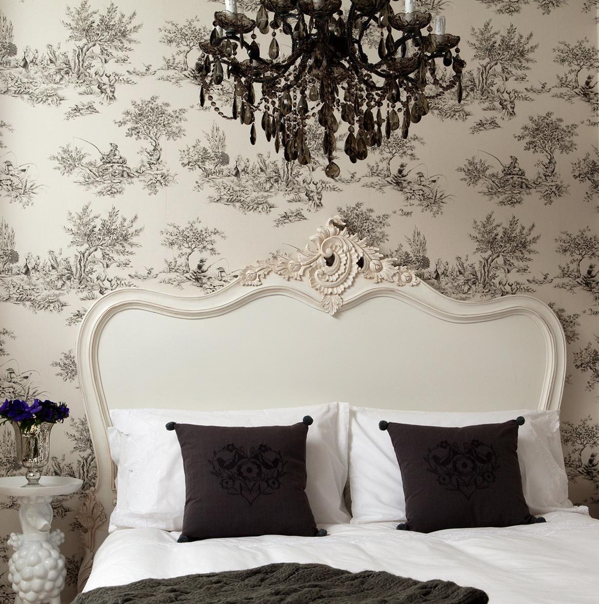 Images Of Chandeliers In Bedrooms