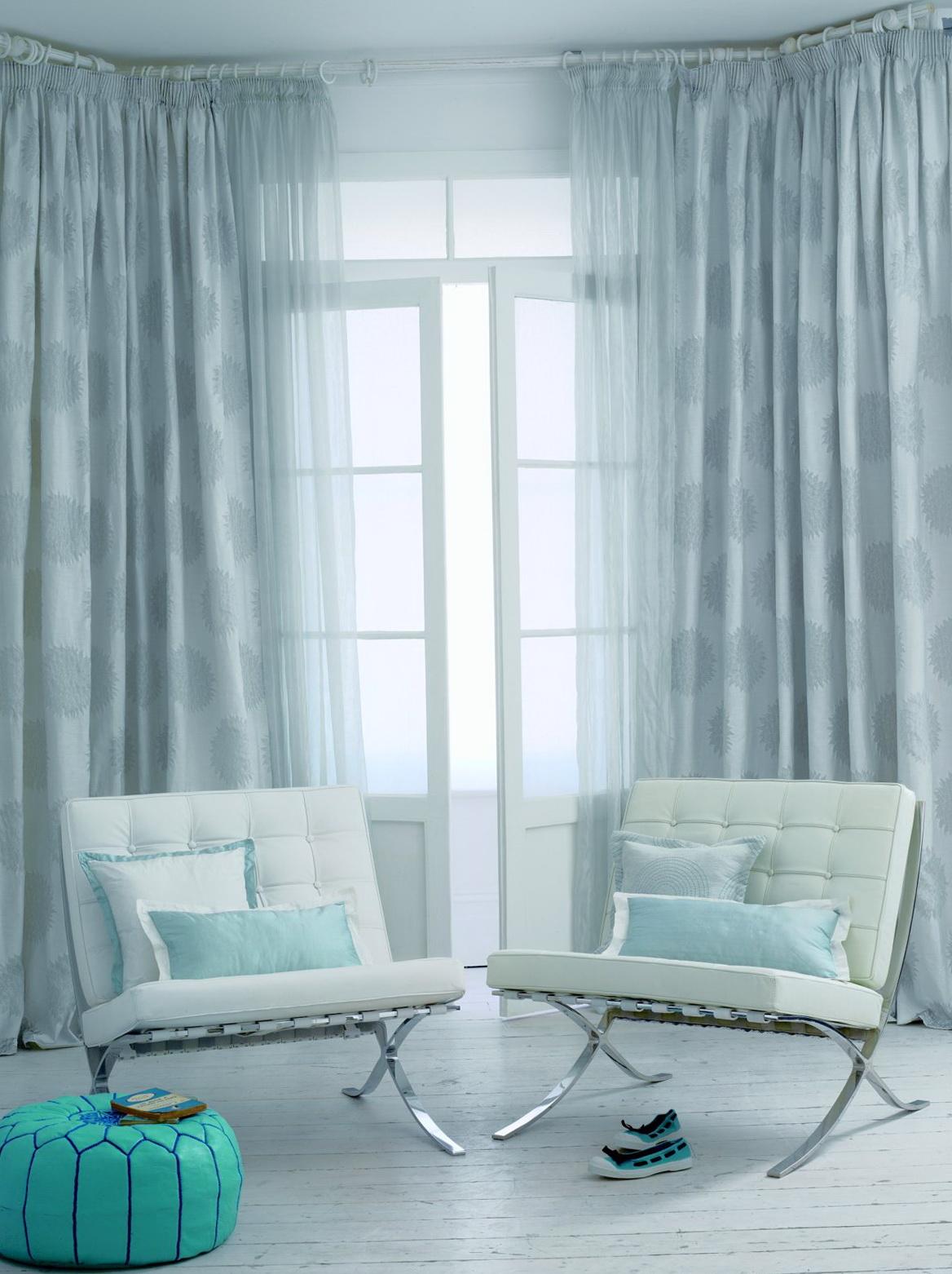 Light blue curtains living room home design ideas for Blue curtain ideas for living room
