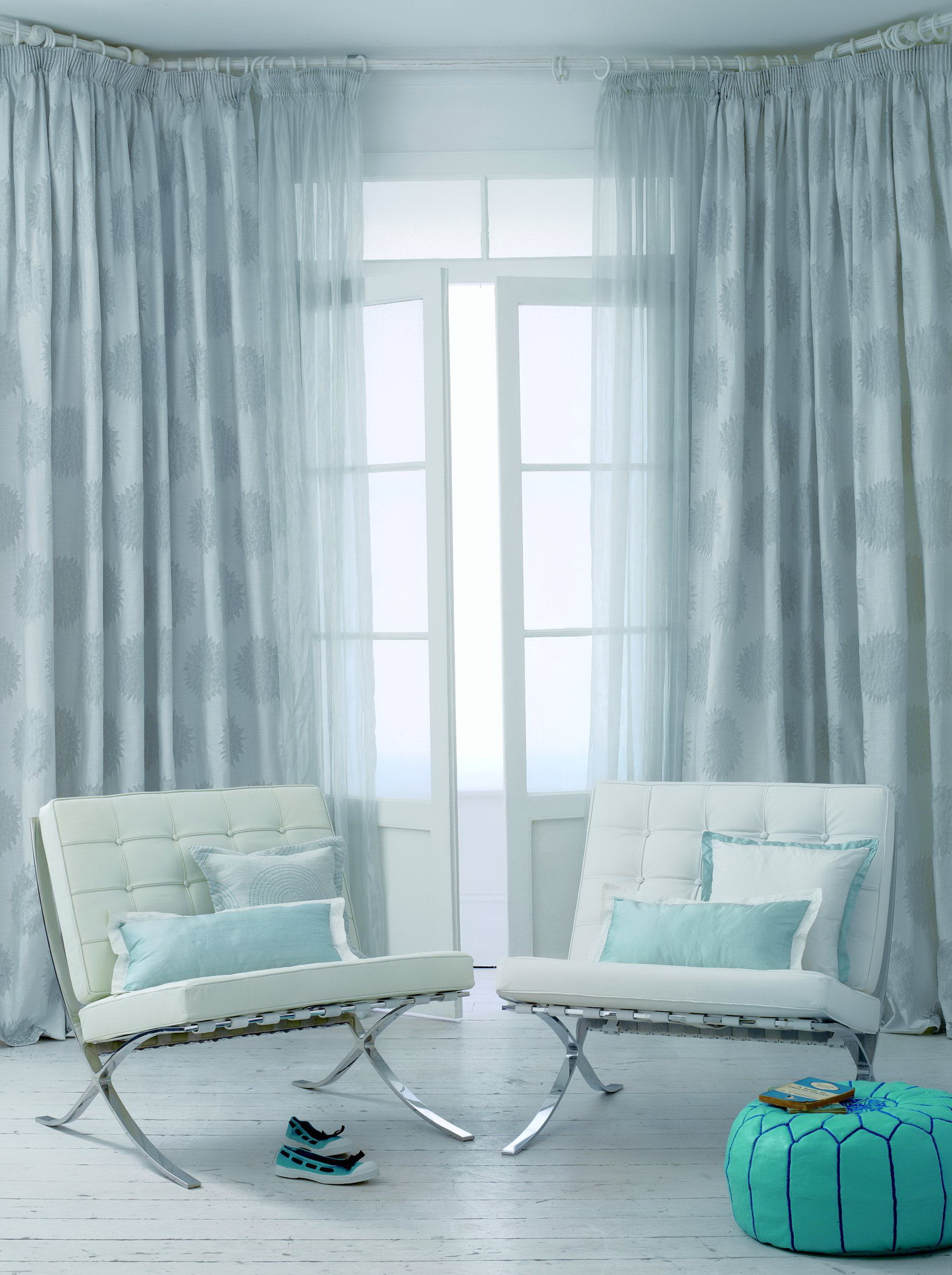 Living room curtains blue home design ideas for Living room ideas blue curtains