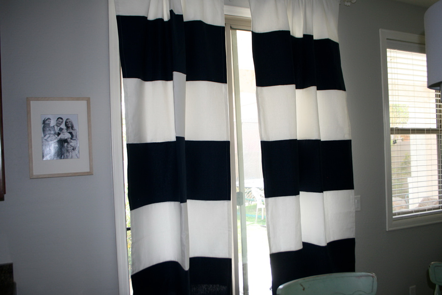 Navy blue and white curtains home design ideas for Navy blue curtains ikea