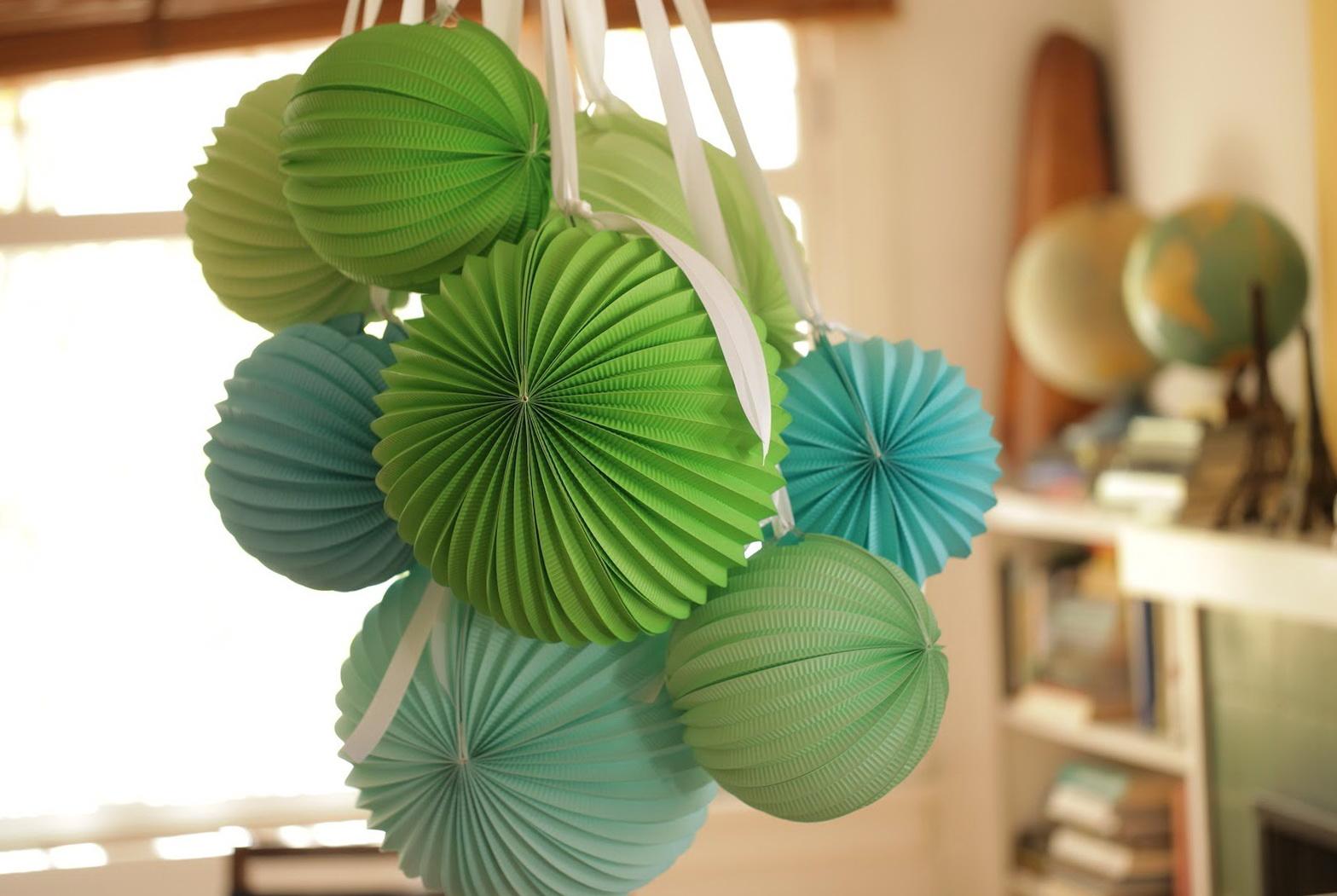 Paper lantern chandelier diy home design ideas - Paper lantern chandelier ...